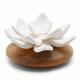 ANOQ - Duftstein Jade du Tibet - Weiße Keramikblume, Akazienholz
